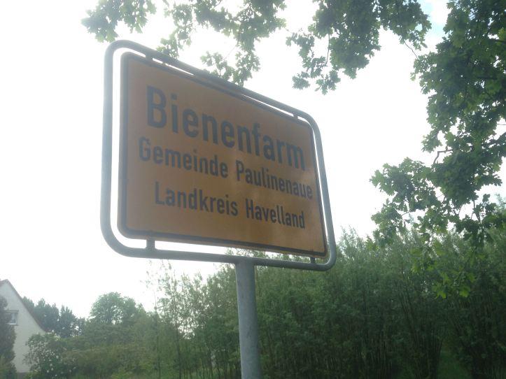 0523Bienenfarm